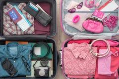 Paare, die für eine Reise verlassen lizenzfreies stockfoto