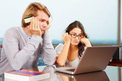 Paare, die Finanzproblem haben Stockfotografie