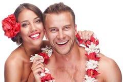 Paare, die ihre Flitterwochen genießen Lizenzfreies Stockbild