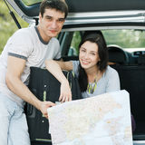Paare, die ihre Reise planen Stockfotos