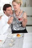 Paare, die Mahlzeit haben Stockbilder