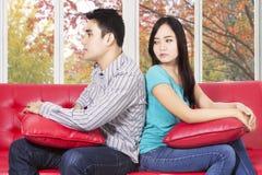 Paare, die Problem zu Hause haben Stockbilder