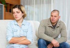 Paare, die Streit zu Hause haben Lizenzfreies Stockfoto