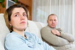 Paare, die Streit zu Hause haben Stockfoto