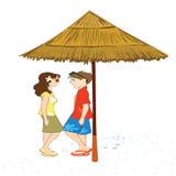 Paare, die unter einer Halle stehen Stockfotos