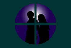 Paare durch Fenster Stockfotos