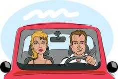 Paare in einem Auto Stockfotos