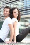 Paare gesessen zurück zu Rückseite Lizenzfreies Stockbild