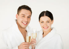 Paare im Badekurort Stockbild