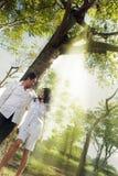 Paare im Freien   Lizenzfreie Stockbilder