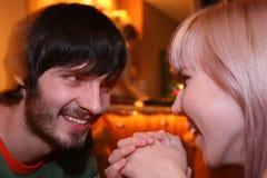 Paare im Nachtclub Stockbild