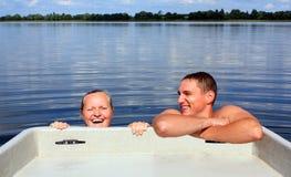 Paare im Wasser lizenzfreies stockbild