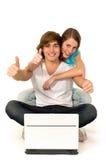 Paare mit den Daumen oben Stockfotos