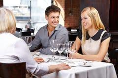 Paare mit Schwiegereltern an Lizenzfreie Stockfotos