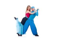 Paare Tänzer, die den modernen Tanz lokalisiert tanzen Lizenzfreies Stockbild