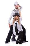 Paare Tänzer, die den modernen Tanz lokalisiert tanzen Stockbilder