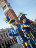 Paare an Venedig-Karneval 2012 Stockfotografie