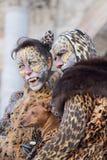 Paare verkleidet als Leopard während des Karnevals von Venedig stockfoto