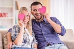 Paare zu Hause Lizenzfreie Stockfotografie