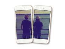 Paarfoto auf Smartphoneschirmisolat stockbilder