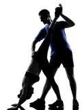 Paarfrauenmann, der Training ausübt Stockfoto