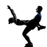 Paarfrauenmann, der Training ausübt Lizenzfreie Stockbilder