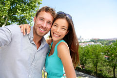 Paartouristen, die Reise selfie Selbstporträt nehmen Lizenzfreie Stockfotos