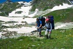 Paarwandern. Lizenzfreies Stockfoto