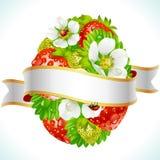Paasei van aardbei en bloemen Stock Foto