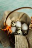 Paaseieren in een mand klaar voor decoratie Royalty-vrije Stock Fotografie