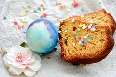 Paaseieren en cake Stock Foto