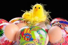 Paaseieren en kippen Stock Afbeelding