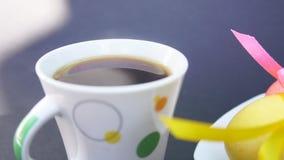 Paaseieren en Kop van koffie met stoom stock video