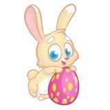 Paashaaskonijn die een het roze ei en glimlachen houden Vector beeldverhaal Stock Foto
