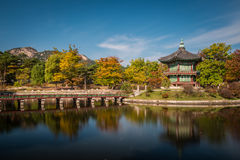 Pabellón de Hyangwonjeong Imagenes de archivo