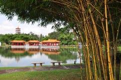 Pabellón de la orilla del lago Imagen de archivo libre de regalías