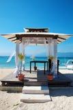 Pabellón de las bodas de playa en las islas de Gili Imagenes de archivo