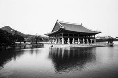 Pabellón del palacio en Corea Foto de archivo