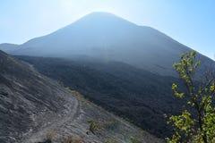 Pacayavulkaan dichtbij Antigua Guatemala royalty-vrije stock foto