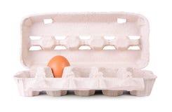Pacchetto del cartone delle uova su un bianco Immagini Stock Libere da Diritti