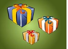 Pacchetto del regalo su verde Immagini Stock
