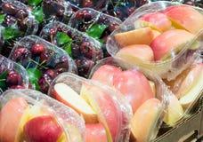Pacchetto della ciliegia e di Apple immagine stock libera da diritti