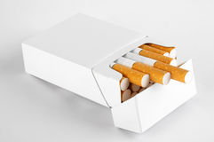 Pacchetto delle sigarette Fotografie Stock