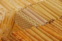 Pacchi gialli del mestiere e di stoffa per trapunte Fotografie Stock Libere da Diritti