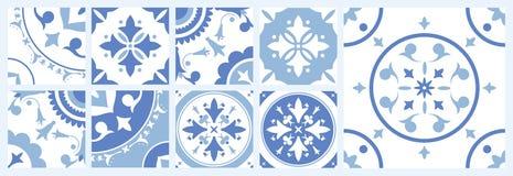 Pacco delle mattonelle quadrate ceramiche con i vari modelli orientali tradizionali Insieme degli ornamenti decorativi mediterran royalty illustrazione gratis