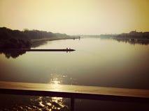 Pace ed il fiume immagini stock