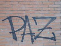 Pace sulla parete fotografia stock