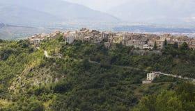 Pacentro i Abruzzo Arkivbild