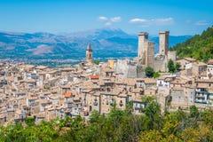 Pacentro medeltida by i L `-Aquila landskap, Abruzzo, centrala Italien Royaltyfria Foton