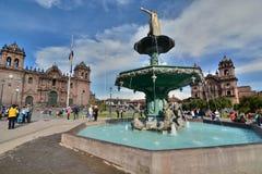 Pachacuti statyspringbrunn armas de plaza Cusco peru Arkivfoto